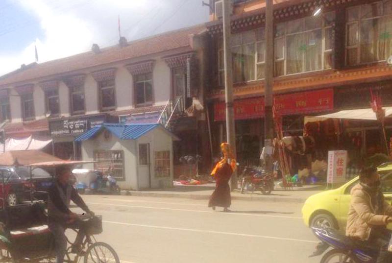 Tibet-Solo-Protest-2016-Lobsang-Tsering